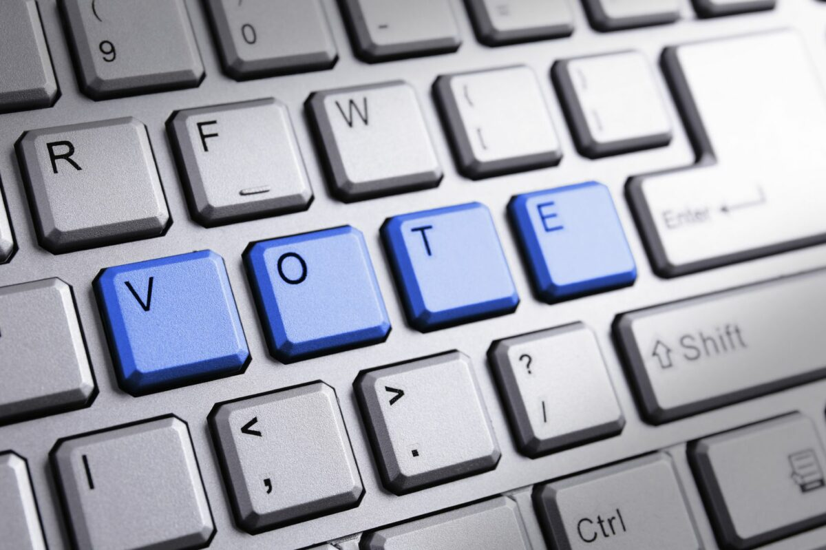 Pros and Cons of Online Voting